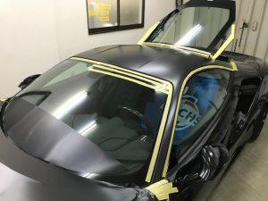 フェラーリ488GTBマットブラックフルラッピング施工ルーフ