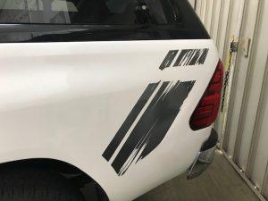タイトヨタハイラックス純正デカール貼りROCCOベースライン貼り