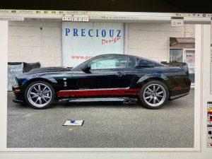 フォードマスタングオリジナルパイソン柄ストライプ施工前デザイン画像