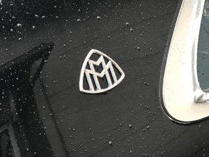 マイバッハV8モデルツートンラッピングエンブレムピラー