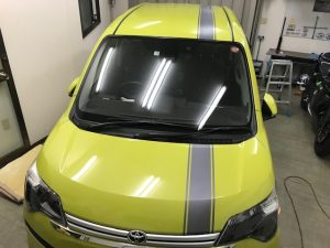 トヨタスペイドオリジナルストライプシルバーカーボン完成フロント
