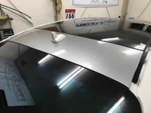 マイバッハV12ツートンラッピングルーフ