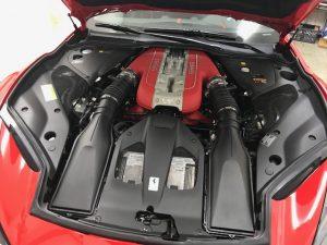フェラーリ812スーパーファストカーボンラッピングエンジンルームv12気筒
