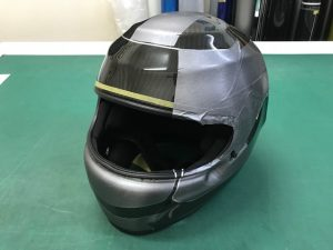 ヘルメットラッピングシャルルルクレールレプリカテスト貼り
