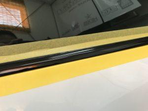 AUDI アウディS5クーペメッキウィンドモールラッピングカット完了後