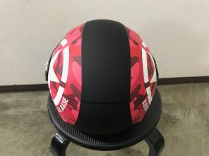 ヘルメットラッピング子供用ヘルメット迷彩カラー完成上